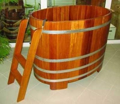 Sauna Bottich-Lärche o. Kampala, 130x79x100 cm innen u. außen transparente Hygieneversiegelung