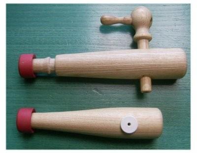 Bierfass - Holzhahnen und Ventil incl. Gummidichtung.