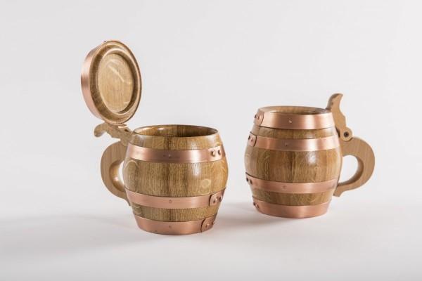 Holzbierkrug 1/2 Liter Eiche natur mit Kupferreifen.