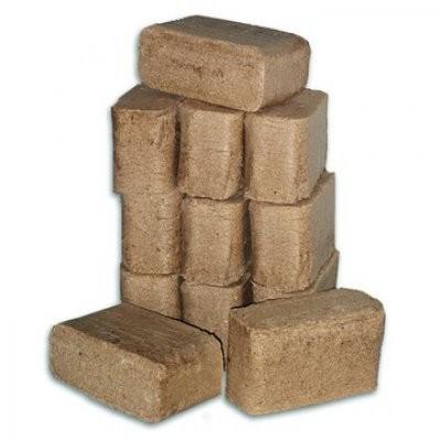 Holzbriketts aus Lärchenholz, 20 Briketts. Gewicht VE min.25-27kg.in Folie verschweißt